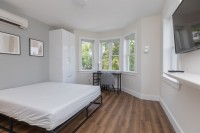Co-Living   Private Bedroom & Bathroom