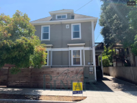 Two Bedrooms Offered in Nice, Upper-Level Central Berkeley Apartment ($1350/$1200)