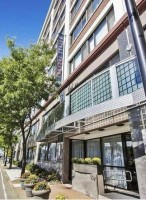 No broker fees: Luxury 2BR/2BA, parking/gym/utilities incl, Steps from Green Line & Bus