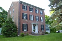 2 bed apartment in Historic Quad-plex in Bucolic Setting