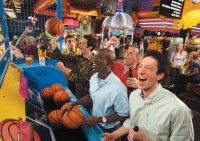 Dave & Buster's in Edina is Hiring Servers & Bussers!