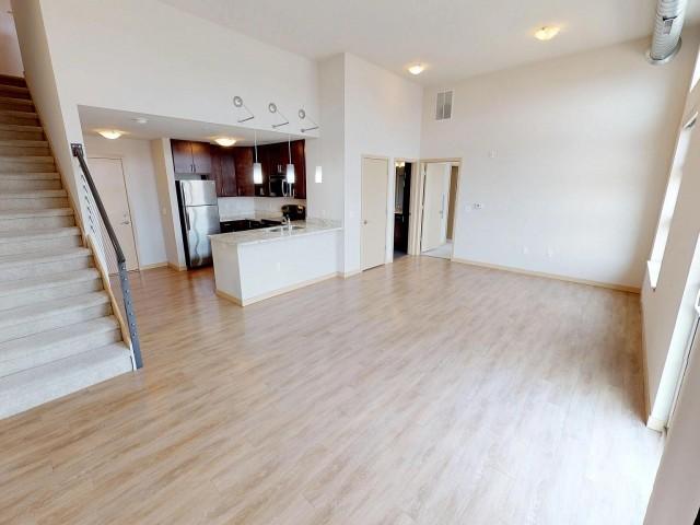 Jan 1, 2020, Luxury 1 Bed + Loft, Near UW, Capitol & Lake Views