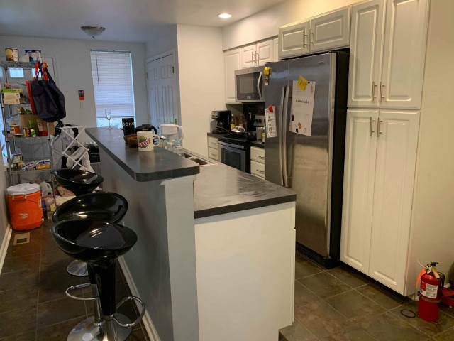 Fully Furnished Summer Sublet in Convenient Location