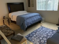 FURNISHED MASTER BEDROOM W/PRIVATE BATH FOR 3 WEEKS STARTING 11/1 NEAR UCLA AND SMC