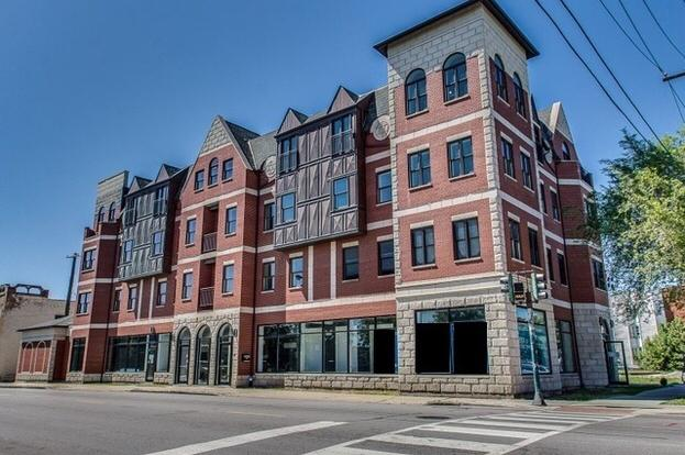 *Luxury Condo* Looking for a roommate at 43rd & S. Ellis Ave. Newly constructed condo - est. 2015