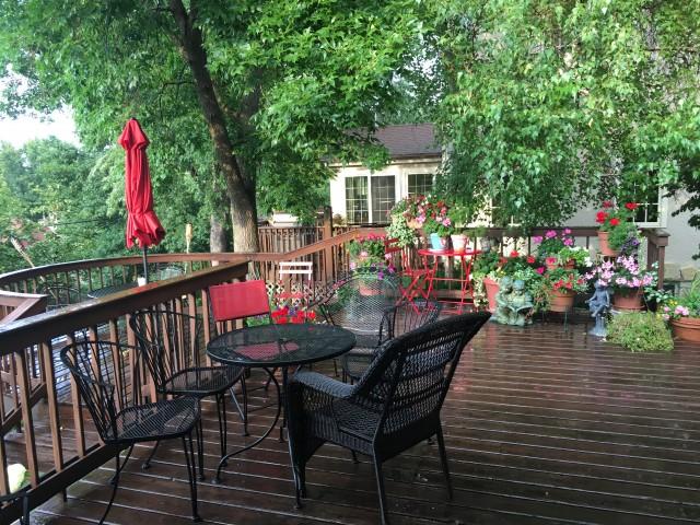 Garden level in SW Minneapolis home on bus line