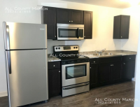 SW Cottages  1 b/b single for sublet - RECENTLY RENOVATED