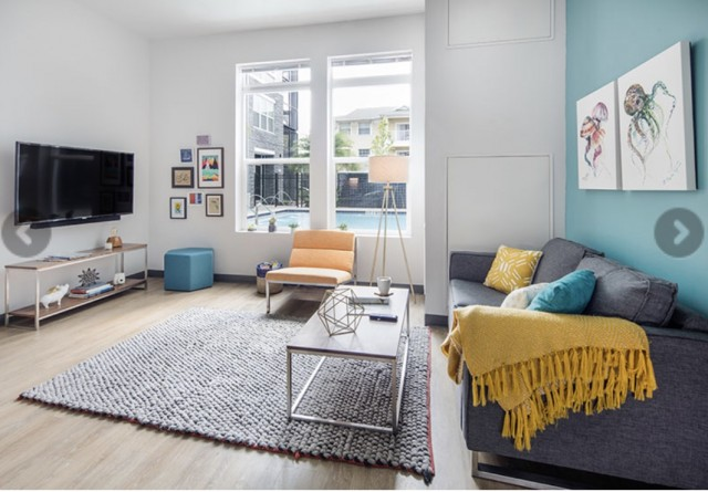 Urgent sublease at Lark on 42nd (Female only)!!!