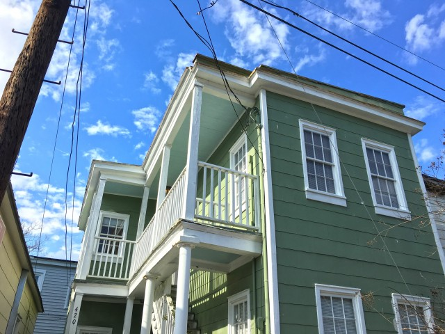 $1300 / 1br - New Year Special! 1 BR/BA Upstairs Apt