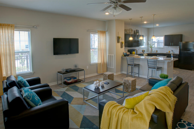 Redpoint Apartment Home- 2 bedrooms available