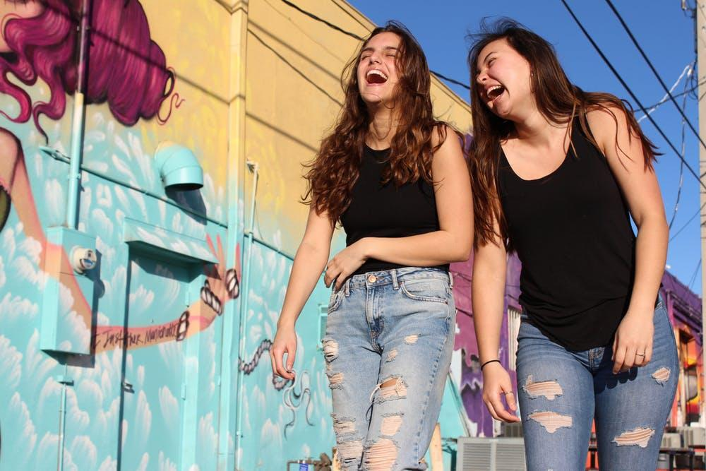 Roommates: 5 Reasons Why You Shouldn't Live With Your Best Friend