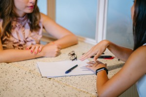 Roommate Finder: 5 Tips to Help You Coordinate with Your Roommates Off-Campus
